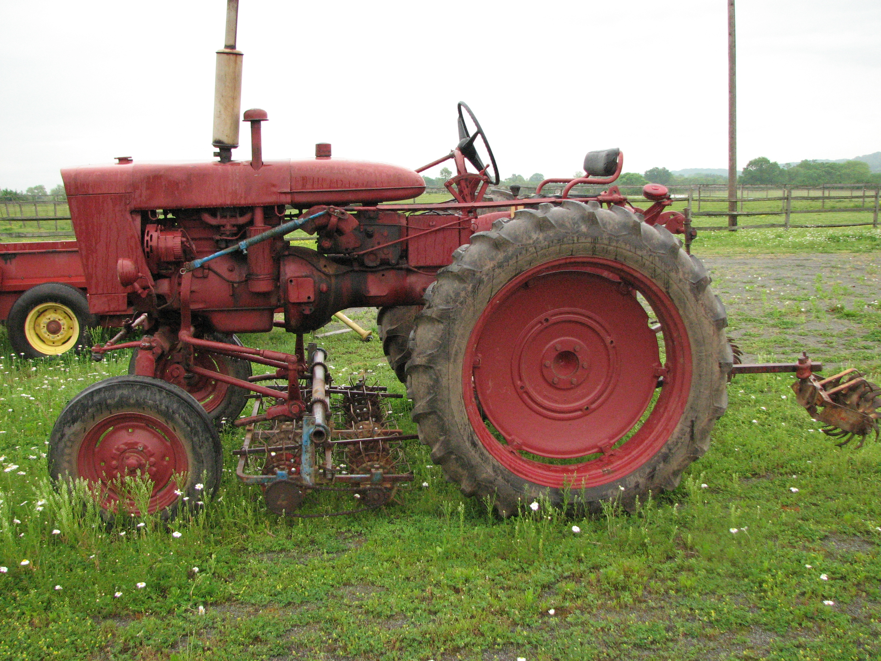 Farmall 140 Tractor : Farmall cultivating tractor chickadee creek farm